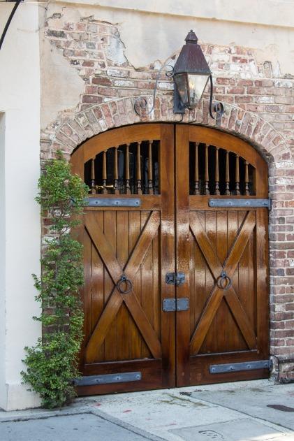 stable-doors-1497937_1920